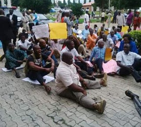 NIGERIA: See How Lecturers Protest In Osun State Over Unpaid Salaries